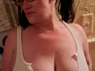 Nothing like a set of gorgeous tits, white tank top ,no bra and amazing nipples