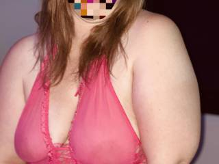 Posing for hubby and fucking my self at the same time love to multitask