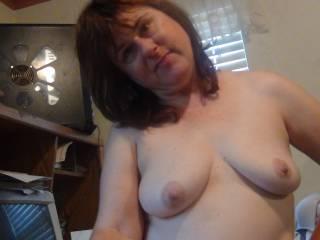 wanna jerk off on my tittys?