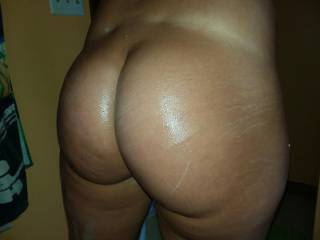 Someone fuck my oiled ass .... fuck it hard and make me scream and beg you to stop