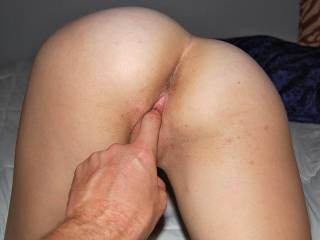 giving a feel in this wonderful pussy.....tight on one finger!