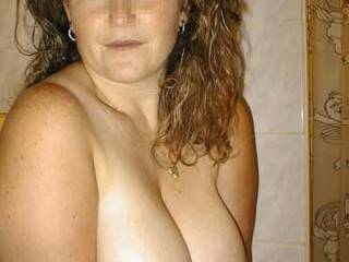 ooo! very nice big tities ;) please show me more pic... naked pic... i wanna see u all ;) your pussy,ass, ,feet,legs