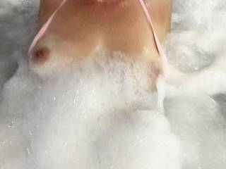 Foamy hotel spa bath, gotta get the girls out it\'s only right..