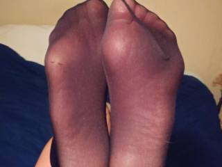 Some sexy feet in some tights