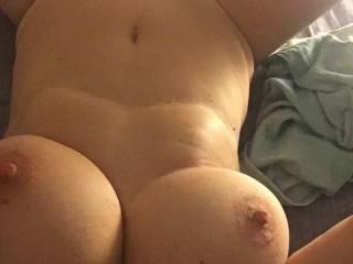 Who wants to play with a good friend? I believe that she has some assets!!!