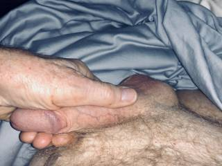 It's 3 AM, I've been massaging my scrotum for half an hour and I'm about to ejaculate, I take a photo. There is one Zoiger who will know this is for her.