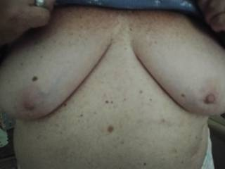 Neighbor let me get a pic of here boob's, after a handjob.