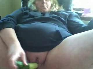 Wow......beautiful......I see you like a good deep fucking.....my cock would love those lips wrapped around it......wow,...you made me so horny......