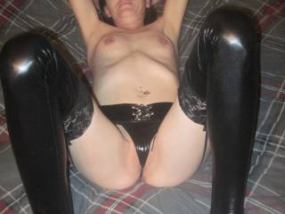 do you wanna fill me with your cock or eat my sweet pussy , maybe cum on my titties ???? tell me what you want