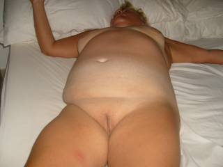 My tits belly and pussy for your cum tributes