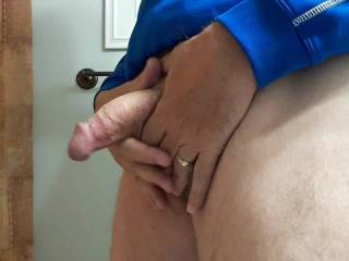 A little morning wank for my hairy pussy friend.  You know who you are!