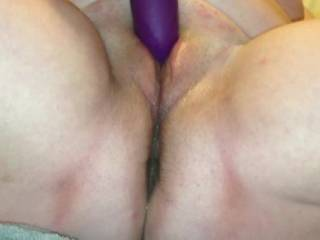 Big soft pussy...I'd love to get my mouth on that!