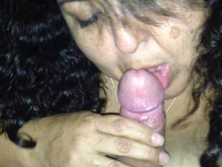 What a hot sexy babe. Loves to suck cock.