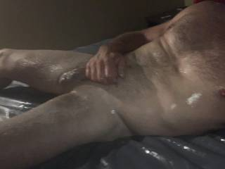 I need a horny female to cum play with me. Tired of laying around in this hotel room alone and naked