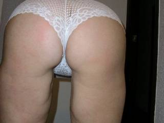Nice ass and delicious white panties, very nice!