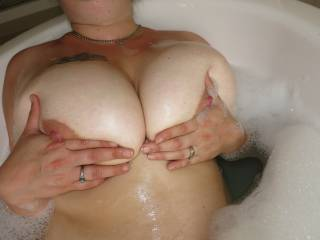 The best cum target ever. She loves to have the squeezed.