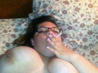 how can u not pound that pussy to make her squirt she is so sexyy idk if i could keep my hand dick and tongue off her