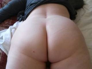 I'm looking at it and I am loving it. I would so love to munch on that amazing ass. Spreading those cheeks and just kiss and lick your asshole until it's all wet. Oh, just the sniff of of that gorgeous ass would make me so hard and wet