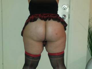 I want to slap that sweet ass...!!!