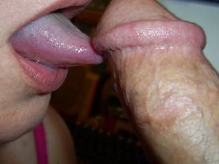 I'D LOVE TO HAVE YOU DO THAT AND I WOULD GIVE YOU A NICE PRESENT OF A LOAD OF CUMM ON YOUR BEAUTIFUL WANTING TONGUE FOR YOU TO SWALLOW.