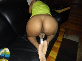OMG,  love that ass.  Latin women with a nice round ass is pure pleasure!