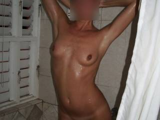 Gorgeous sexy pose. I love those smooth armpits and stretched tits. Wonderful. xx