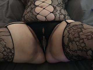 Ready and waiting to have a fist in my wet pussy!