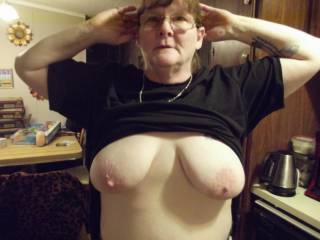 Quick flash of her beautiful tits
