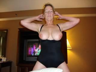 I love the way your tits look in that pic. mmmmmmmmm