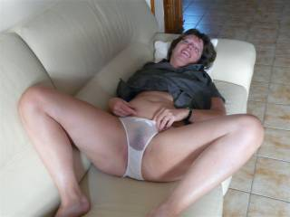 Like to have my head between your thighs pulling your panties to one side then lick and suck your gorgeous pussy mmm