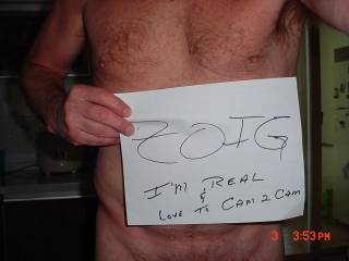 Just liek it says, I like to chat and cam2cam with all you other hot ZOIGers.