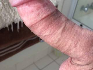 that is one nice looking cock ready to have lips around it