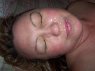 Hubby just gave me a facial. I love cum on my face and in my mouth. Who's next.