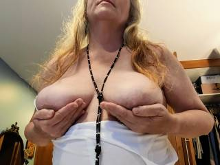This married woman wants her tits to glisten and shine with your cum.