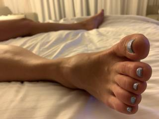 ok all my foot fetish guys, who would lick my feet and suck my toes while I masturbate?