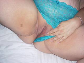 Hot wet pussy waiting for you...