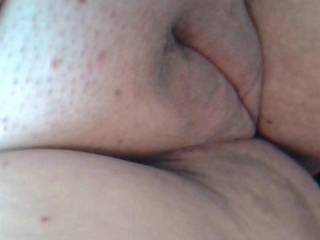 Wow - nice shaving. Long to see that nice pussy online :-) John