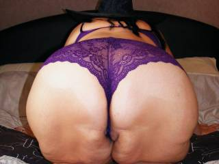 I LOVE SPANKING YOUR ASS AND WHIPPING IT MAKING IT A LITTLE RED MMMMMM