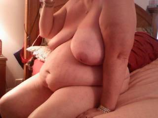 Wow talk about something beautiful love that very hot big beautiful body,es I love them big,she would be fun to fuck,great pic!!