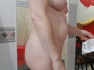 very sexy I'd enjoy pounding ur hot sexy bottom ;-)
