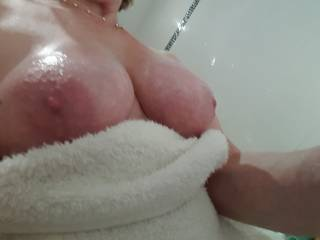 Busty mature Irene just out her bath