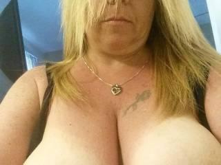I need someone to suck my nipples and make me cum