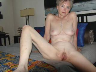 I\'m so happy mt 63 year old pussie still gets nice and moist when I read your comments and look at your pictures