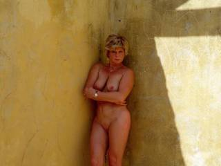 I love being nude and someone finding me and fucking me in this abandoned house