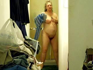 Let's me dry you off sexy lady Mmmmmmmm