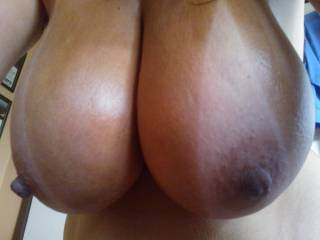 My goodness, I would bust so hard those juicy tits. damn your nipples are so beautiful.