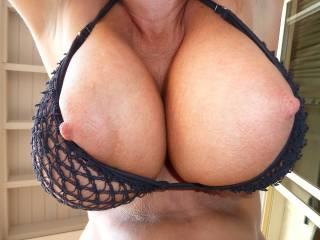 mmmm god fkn love this pic and the last one... gonna make this big cock cum so hard staring at those huge, hanging breasts... aching to feel my throbbing hardness buried between their softness