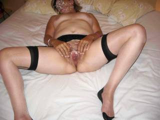 mmmm, looking very hot and sexy..A fantastic pic of your hot body...Can i cum and join you.xxx  Very provocative.mmmm