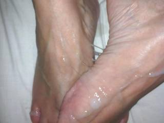 I wanna rub my feet all against yours playing all in that cum load. So hot!