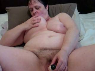 wow you look so damn sexy in this pic, wish i had been there to give your clit a good sucking xx